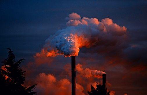 पर्यावरण प्रदूषण पर बेहतरीन निबंध | Pollution Essay In Hindi